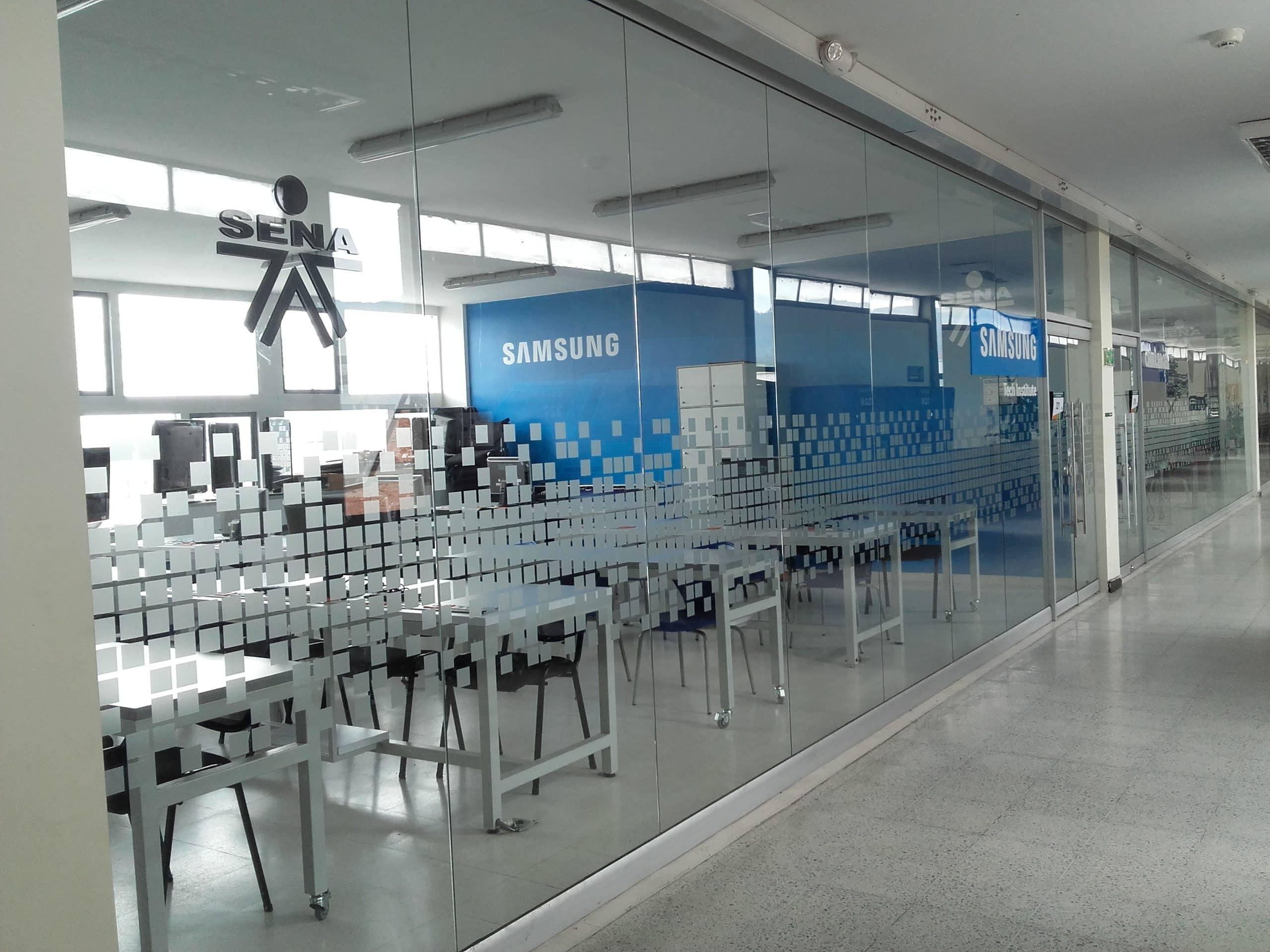 Салон Samsung фото