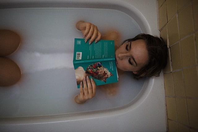 девушка в ванной фото