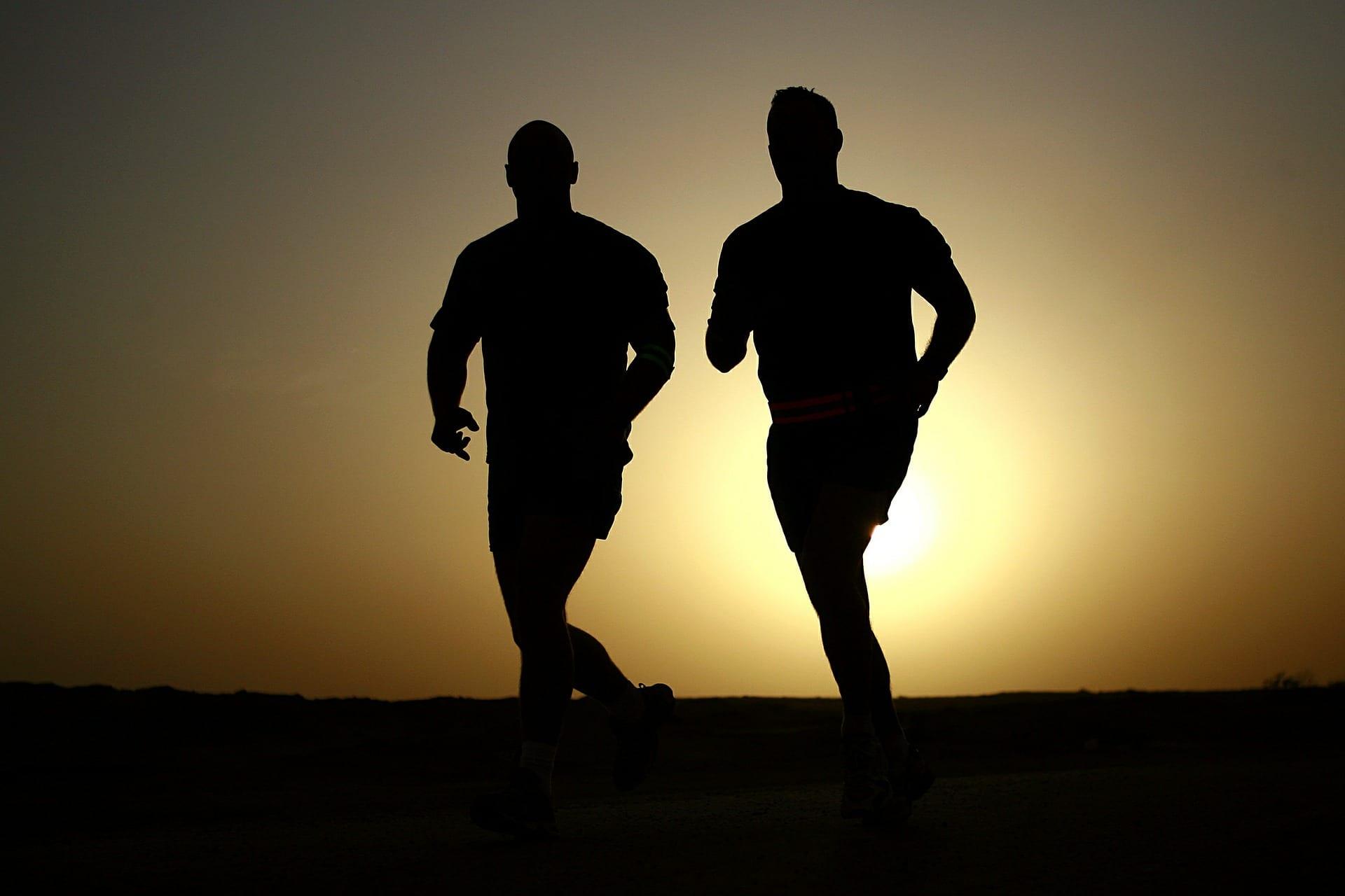 спорт бег спортсмены фото