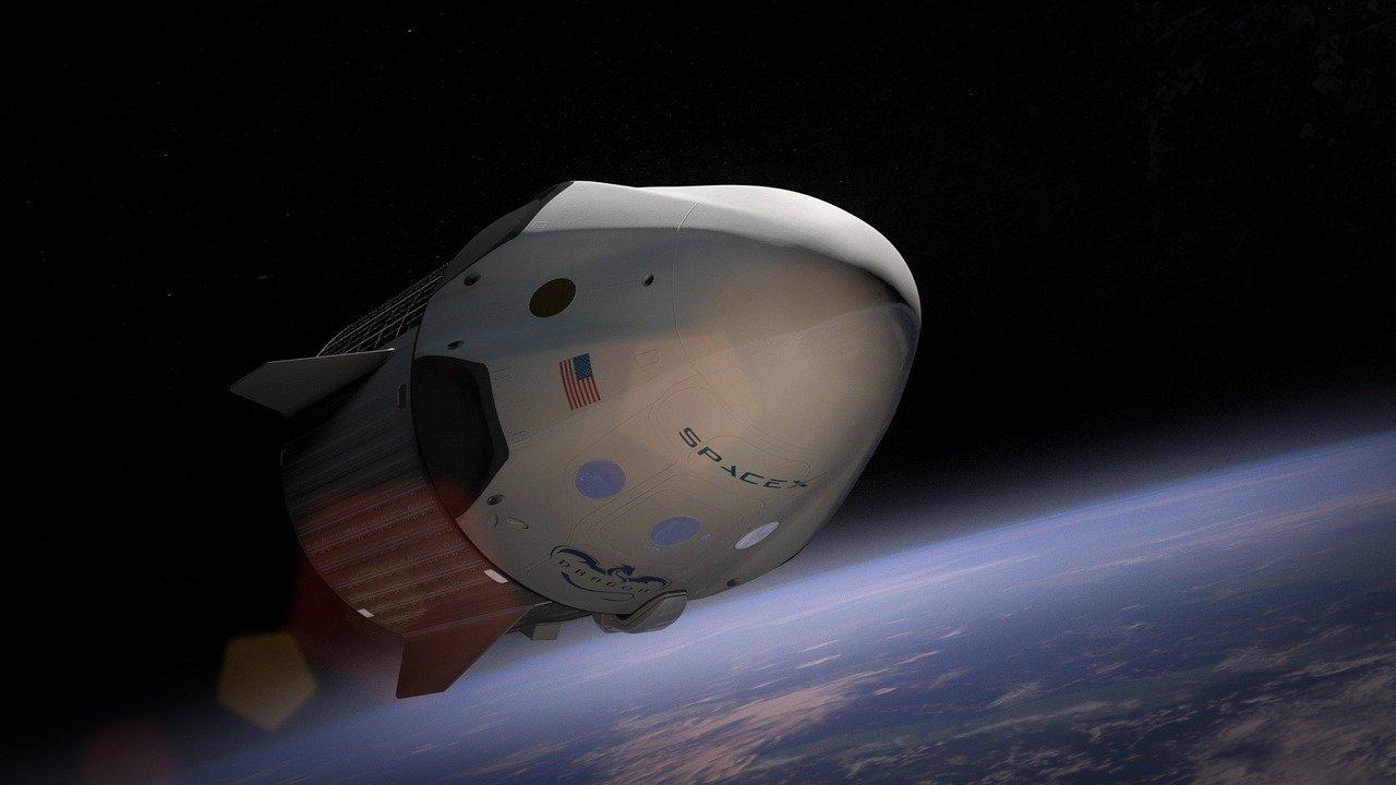Ракета-носитель SpaceX фото