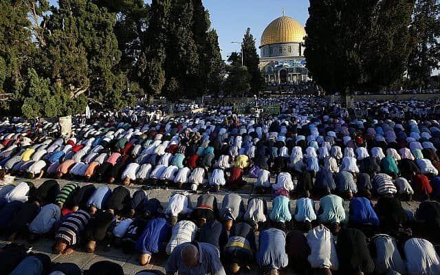 Молитва мусульман на Храмовой горе фото