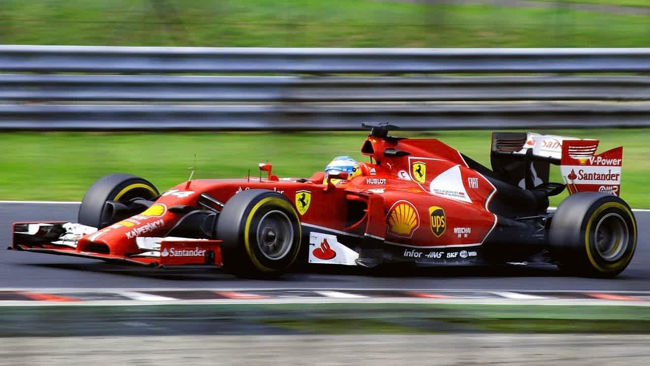 Формула-1 болид фото
