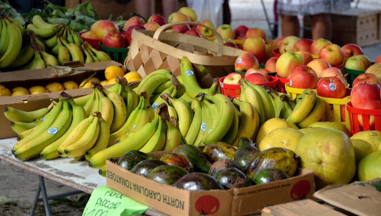 фрукты бананы яблоки картинка