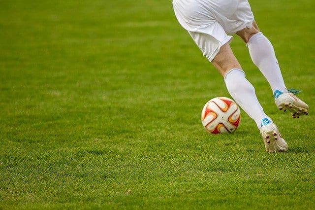 Футболист фото