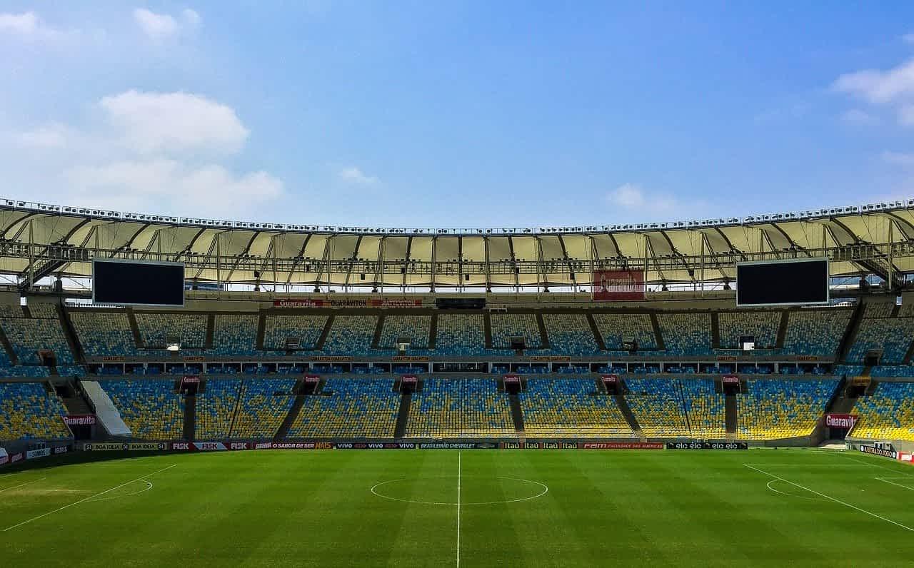 Futbolnoe pole