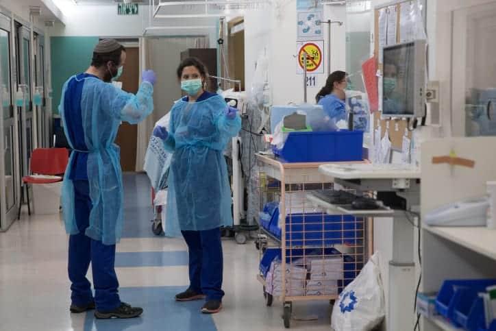 Медперсонал одной из больниц Иерусалима фото
