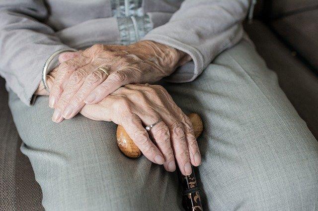 Пенсионерка картинка