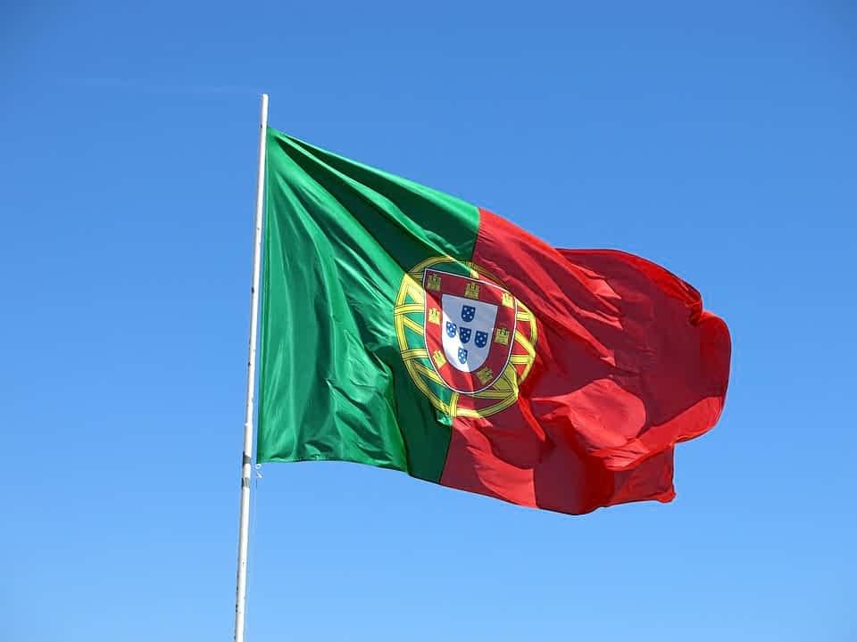 Португалия намерена на первом этапе вакцинировать 10% населения