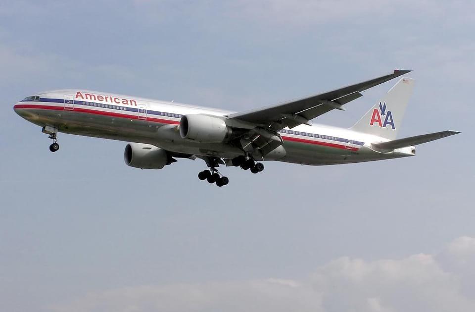 Самолет American Airlines фото