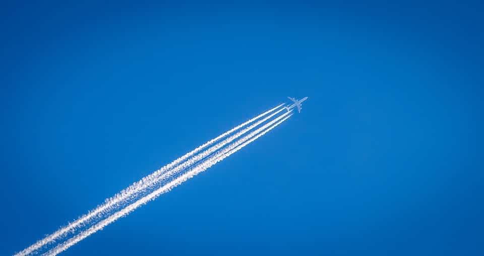 Самолет небо фото