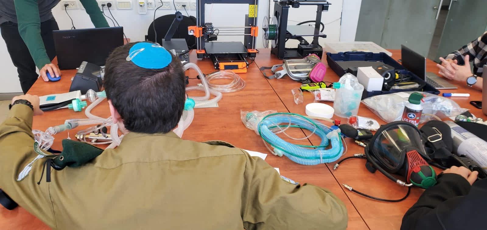 Soldaty TSAHALa razrabatyvayut metody zashhity ot koronavirusa