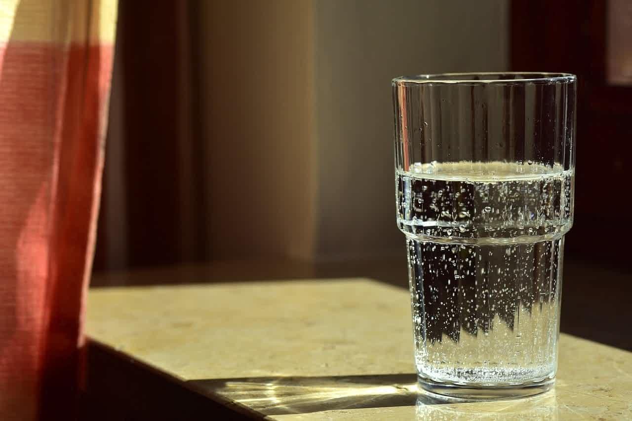 стакан вода фото