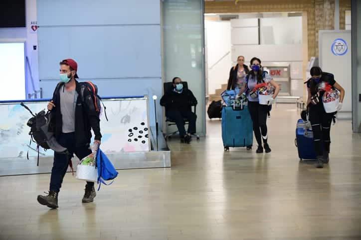 Turisty v aeroportu Ben Gurion