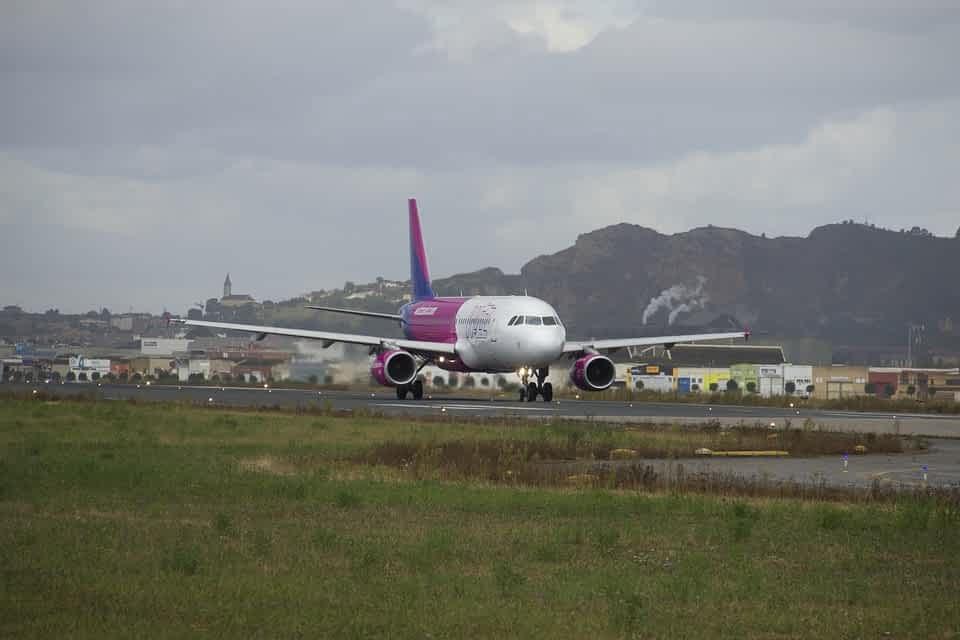 Самолет Wizz Air фото