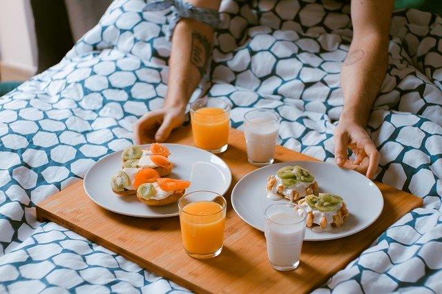тарелка с завтраком фото