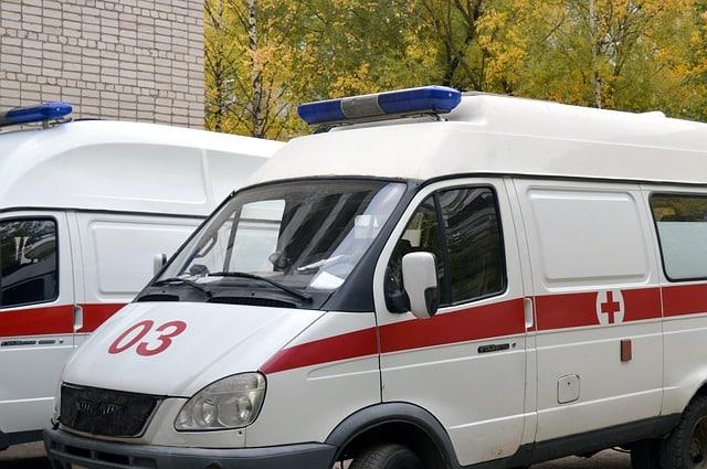 ambulance 1005433 640