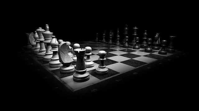Шахматы доска ч/б фото