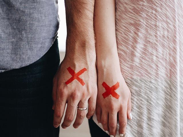 пара рассталась развод фото