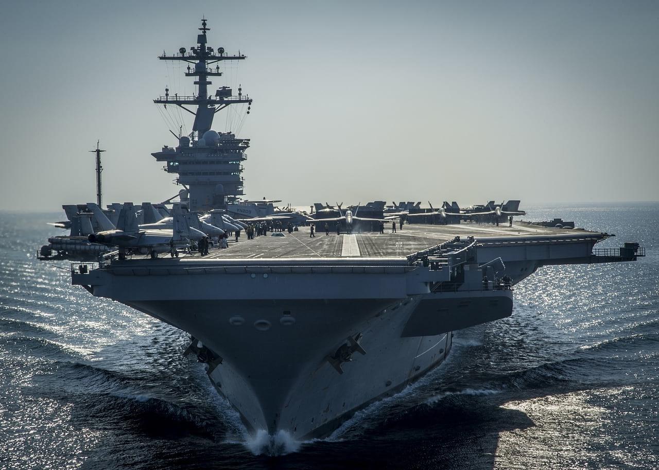 Авианосец ВМС США фото