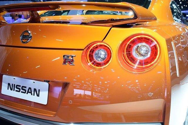 Авто Nissan GT-R фото