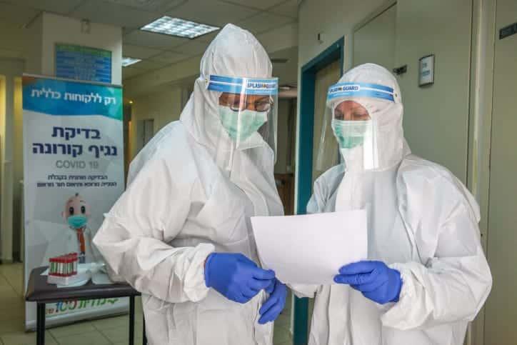 Бригада израильских медиков фото