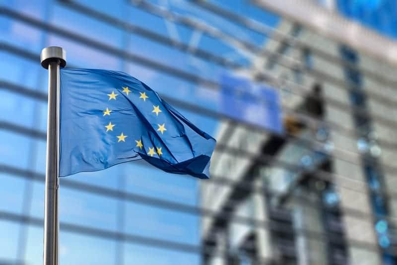 Евросоюз пересек отметку в 100 млн прививок от коронавируса
