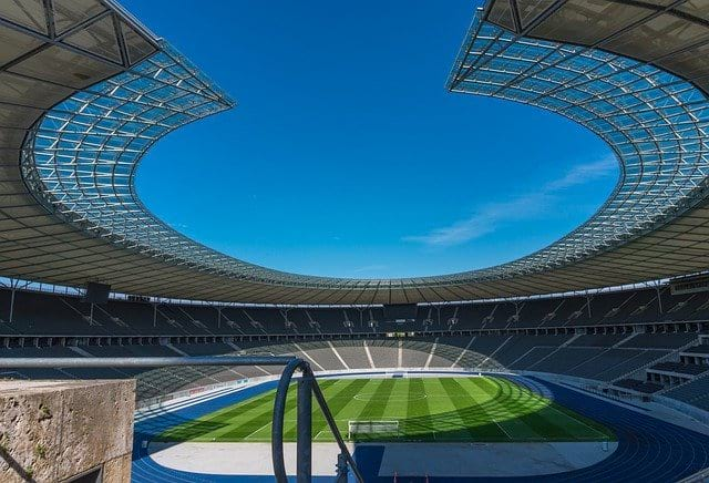 Футбольный стадион картинка