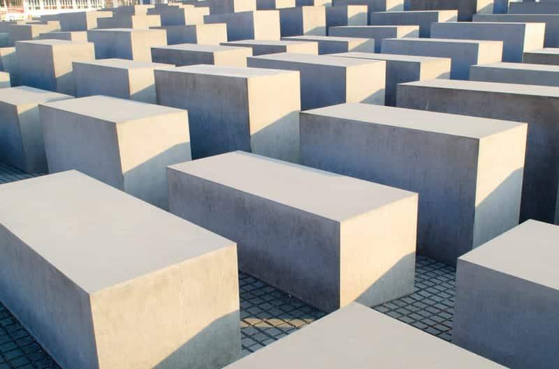 Мемориал Холокоста в Берлине фото