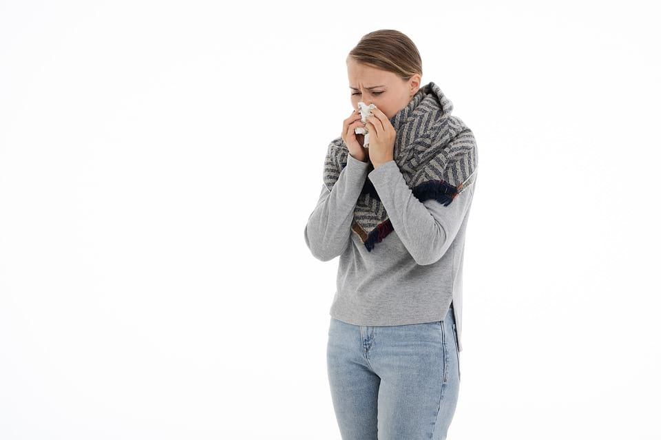 женщина насморк болезнь картинка