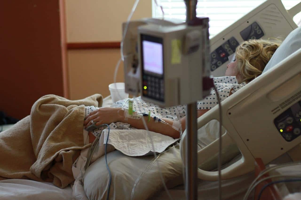 Пациент в больнице аппарат фото