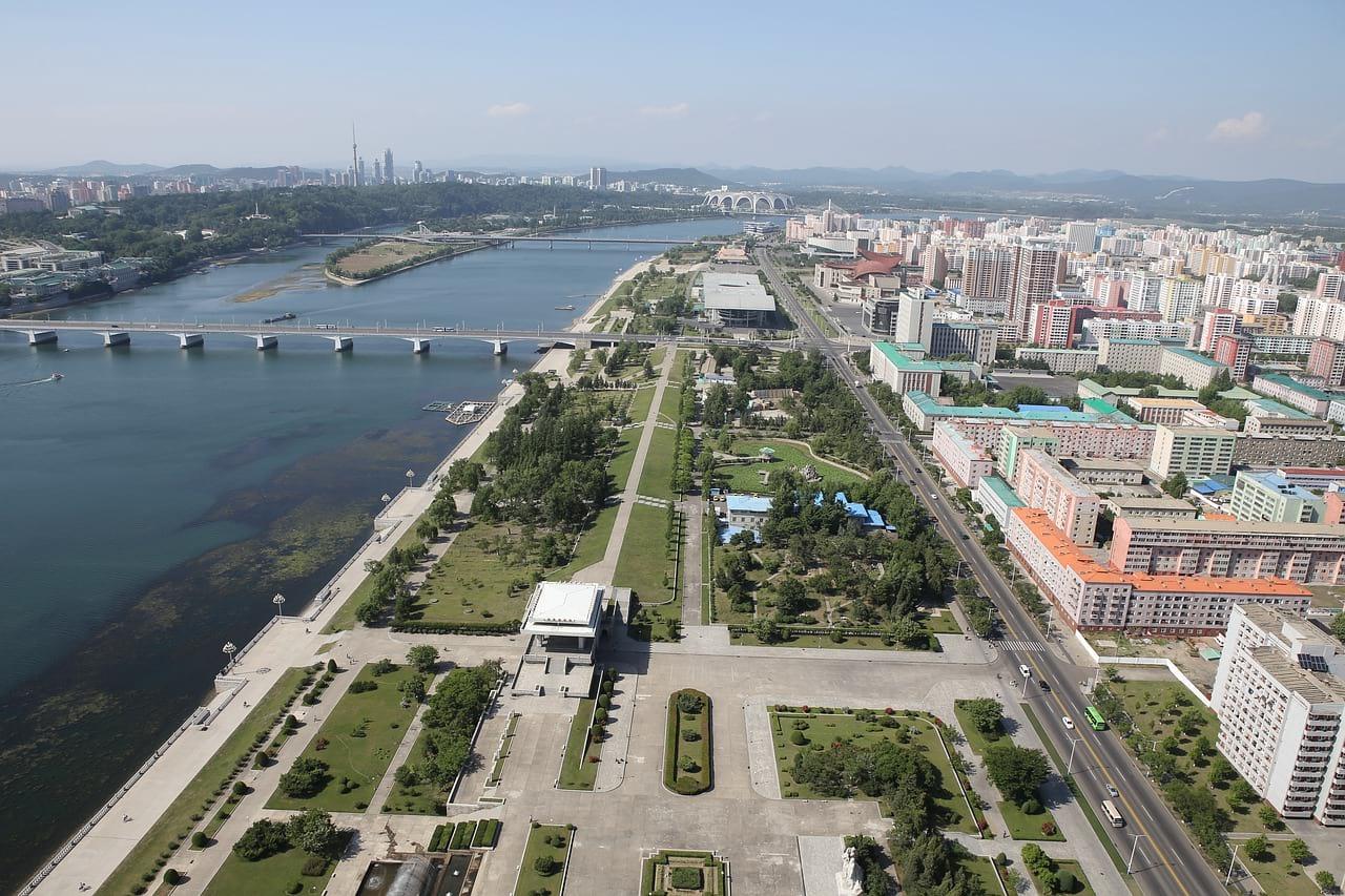 Пхеньян (Северная Корея) фото