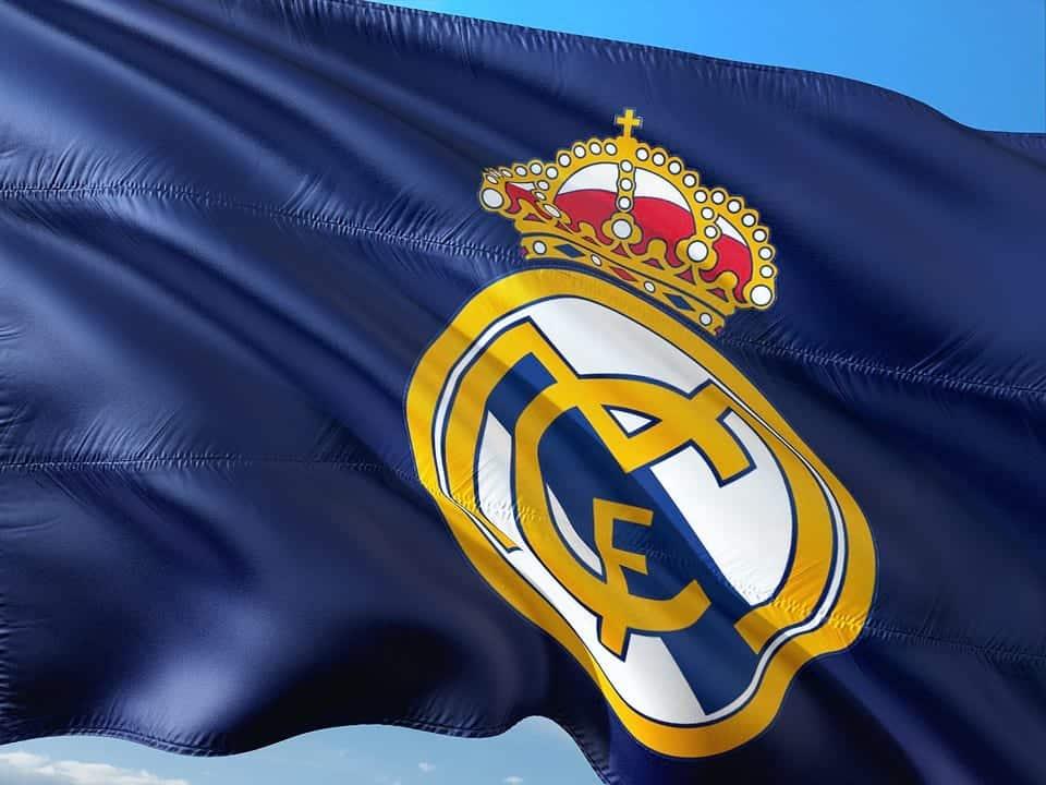 Флаг Реал Мадрид фото