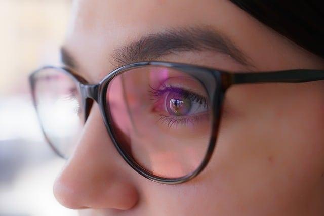Зрение очки девушка фото