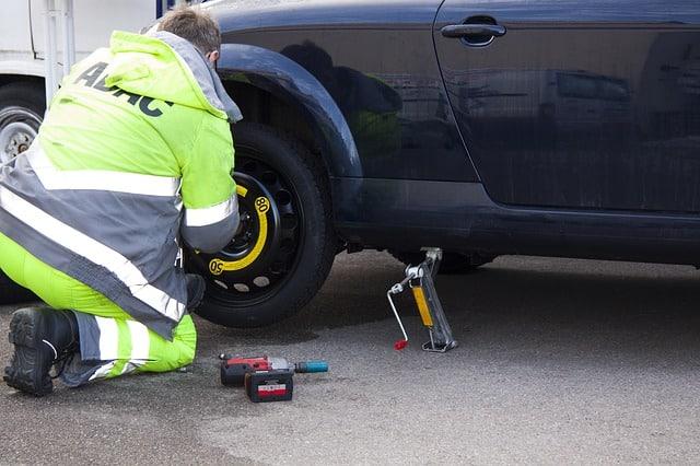 flat tire 76563 640