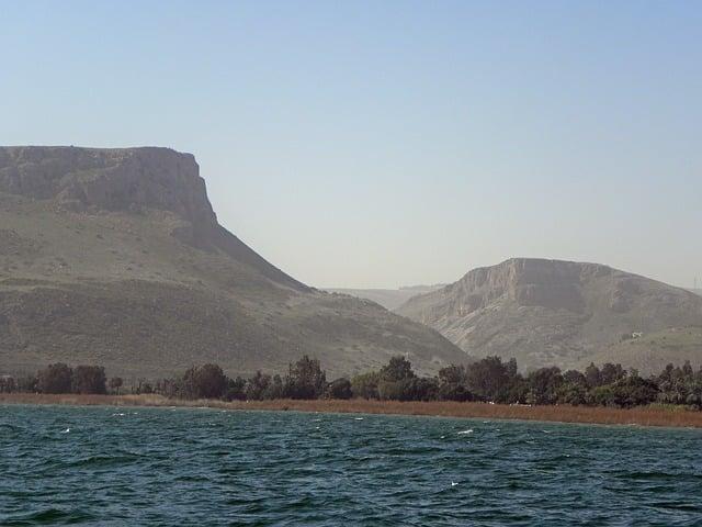 В результате сильных дождей, в озере Кинерет поднимается уровень воды