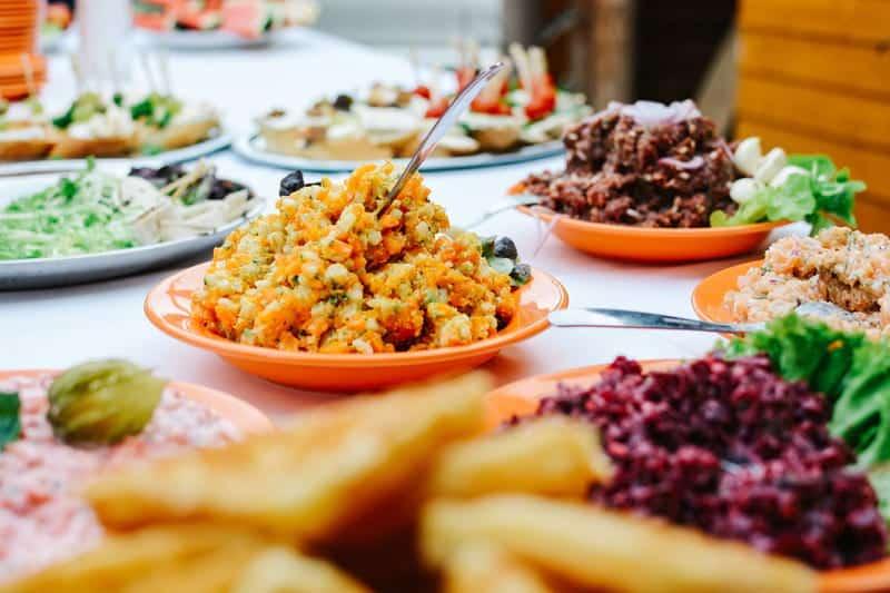 тарелки с едой фото
