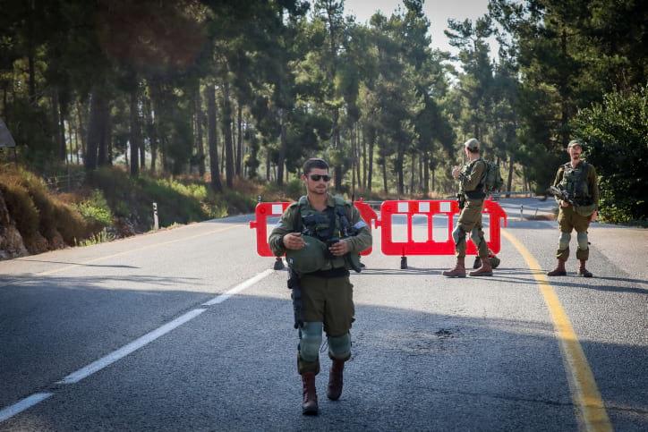Израильские военные на границе с Ливаном фото