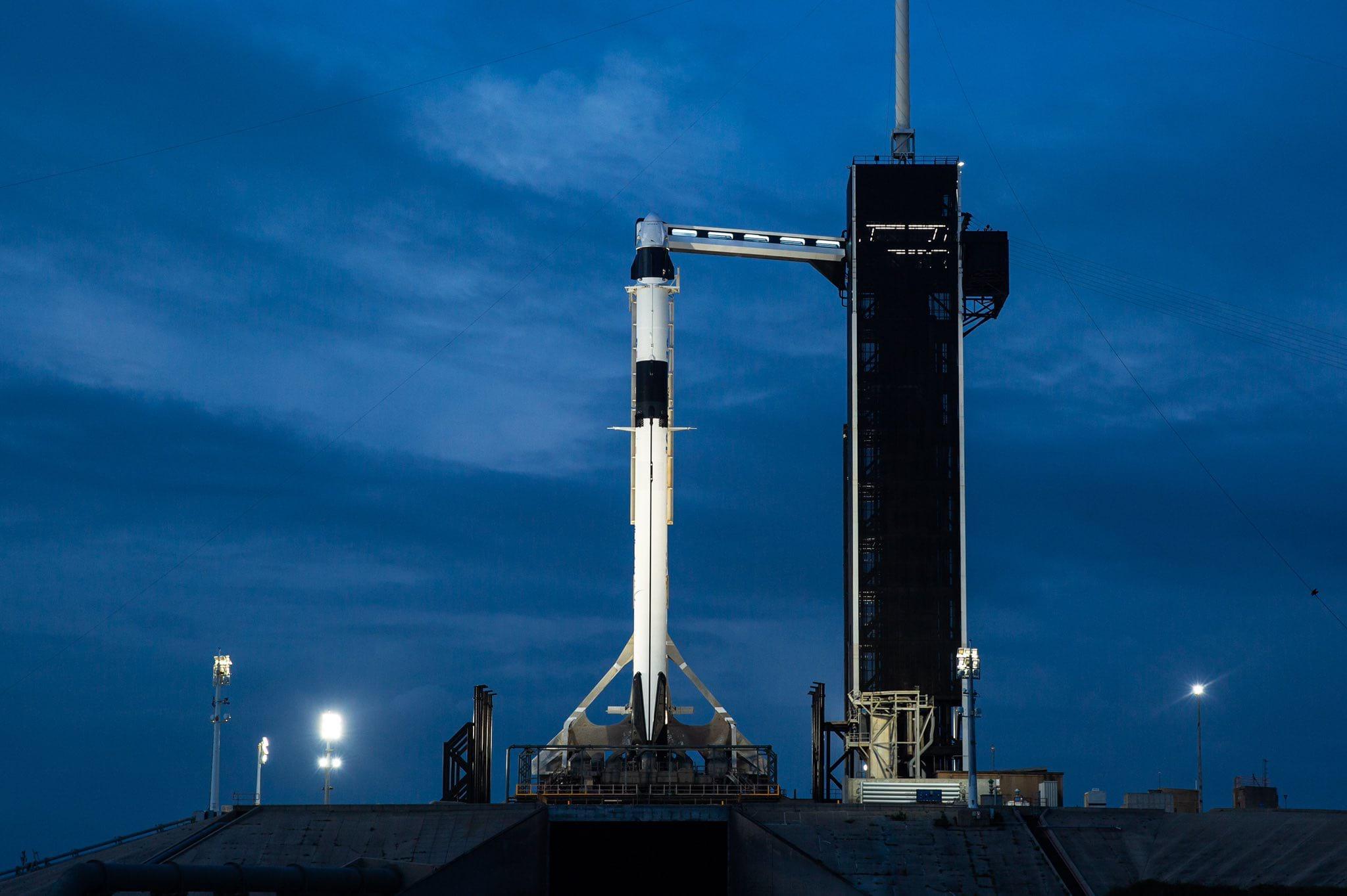 Историческая миссия. SpaceX Илона Маска впервый раз  отправит астронавтов кМКС
