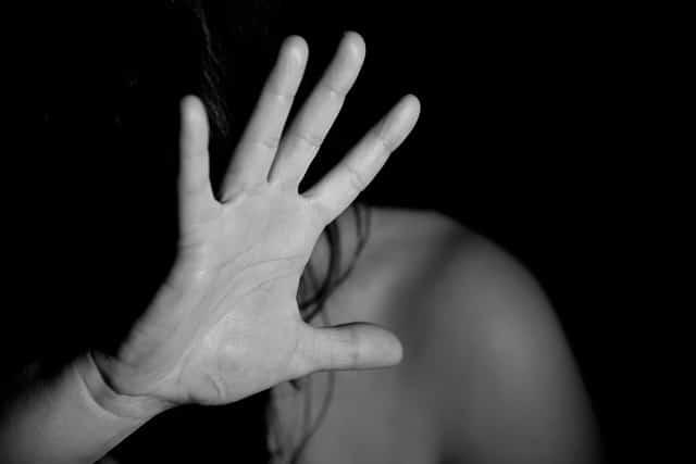 насилие женщина фото