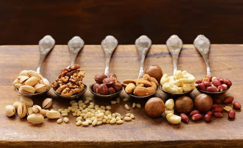 Шесть продуктов, которые содержат больше кальция, чем творог