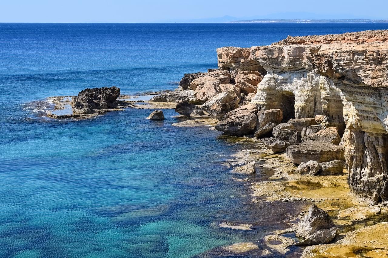 Кипр возобновит авиасообщение с9июня
