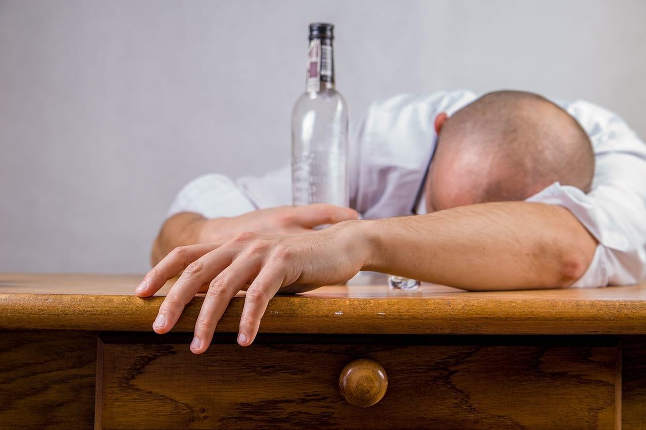мужчина водка похмелье фото