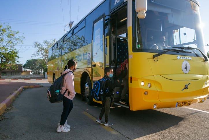 школьный автобус израиль фото