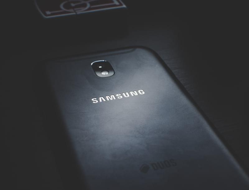 смартфон Samsung фото