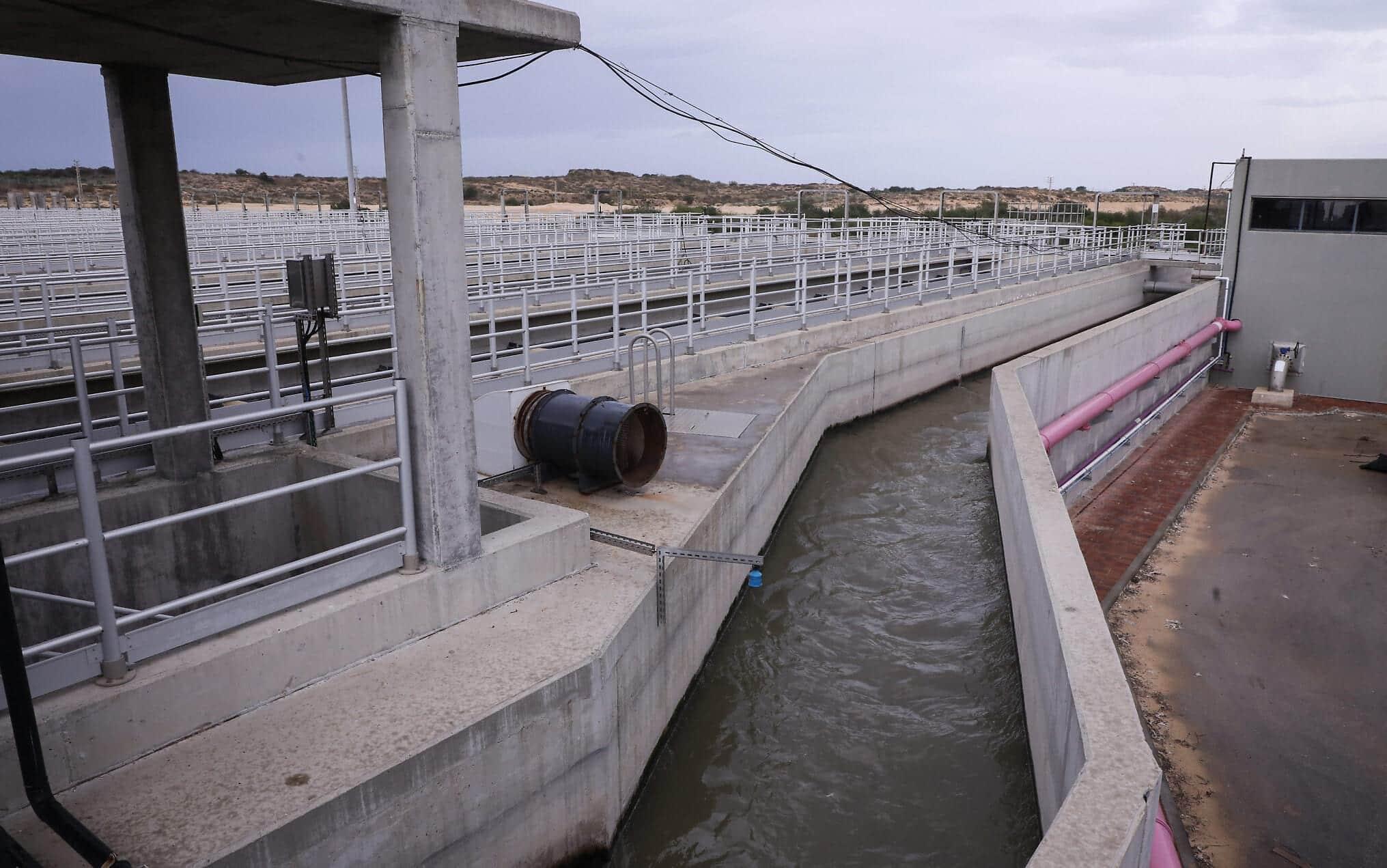 Станция очистки сточных вод Гуш-Дан в Ришон-ле-Ционе фото