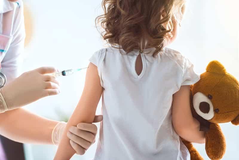вакцинация детей прививка фото