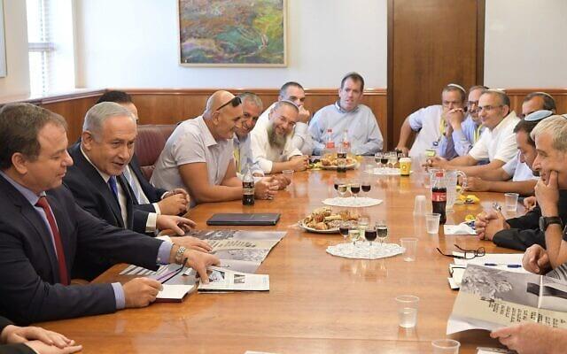 Нетаниягу и главы поселений фото