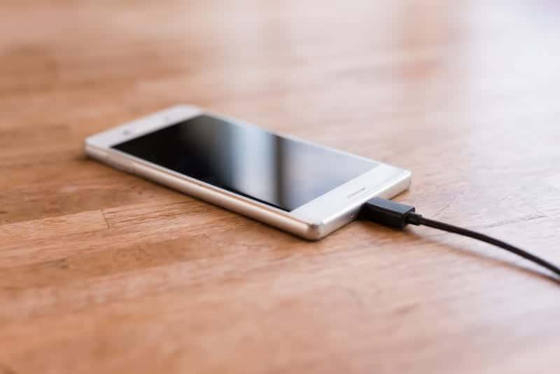 Смартфон на Android фото
