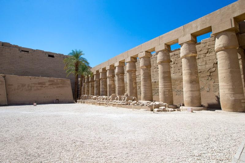 руины храма древнего египта