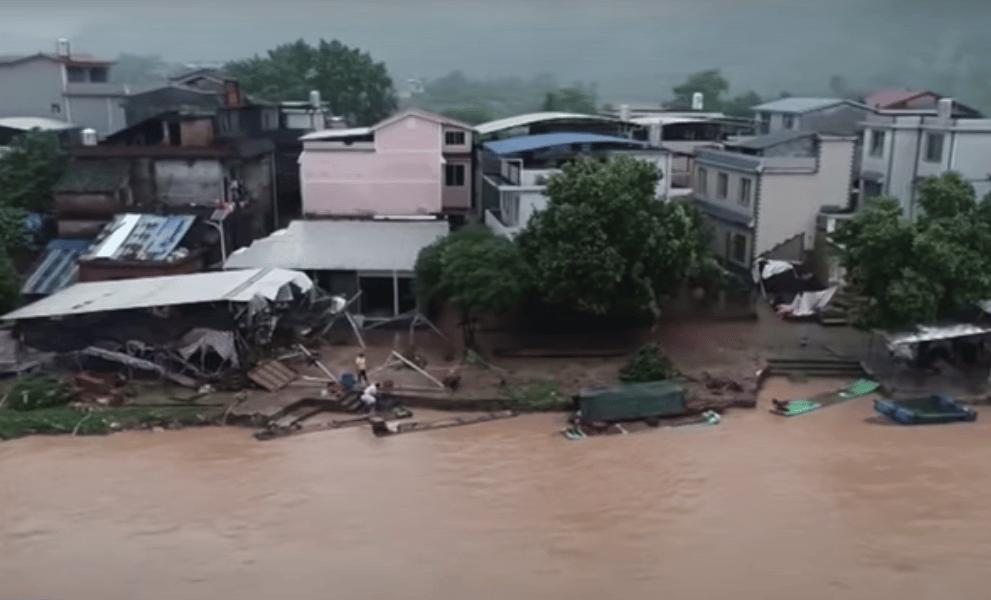 Наводнение в Китае фото